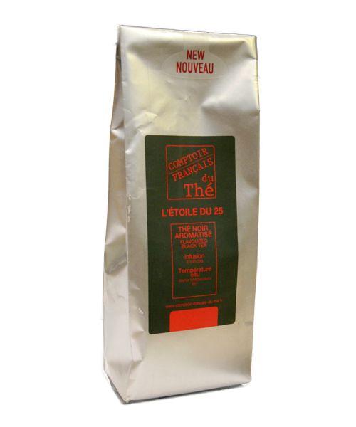 L`Etoil du 25 (Рождественская звезда) - мягкость и гладкость вишни покрывает тонкий аромат миндаля. Благодаря различным специям данная чайная смесь обладает ярким ароматом.  Состав: черный чай, цветы василька, сушеные ягоды, кусочки клюквы, имбирь, ароматизатор