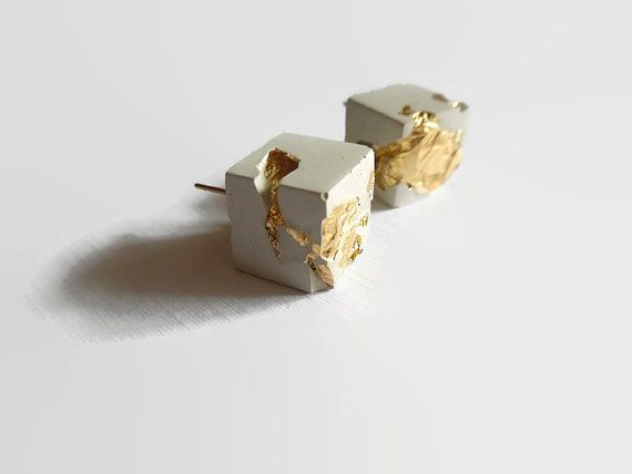 Zement-Ohrringe, Gold und Zement, modernen Schmuck, konkrete Ohrringe, minimalistischen Ohrringe, Beton, einzigartige Ohrringe, Ohrstecker, quadratische Würfel