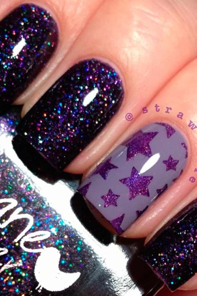 See best holiday nails with star designs. Make your nails become the star at a Christmas party!