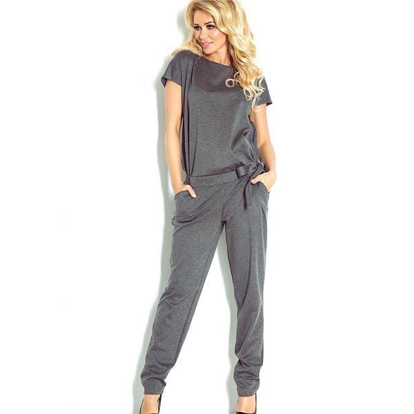 kombinézy pre ženy Módne oblek, dokonale podčiarkuje ženskú siluetu, zviazaný v páse, ideálny pre jar, s krátkymi rukávmi. Účinok dokonalé vyhladenie v akejkoľvek kombinácii. https://www.cosmopolitus.com/kombinezon-damski-model-grey-p-130702.html?language=sk&pID=130702 #oblek #móda #jarná #elegantný #štýl #nápadné