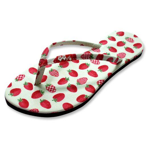 flipflops with strawberry print slippers met aardbeien opdruk
