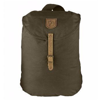 Fjällräven Greenland Backpack Small Dark Olive: Simple, robust and comfortable everyday backpack in timeless Fjällräven style. This model was inspired by one of Fjällräven's many loyal users, who redesigned his worn out Greenland jacket into a bag he could use on his kick-sled.