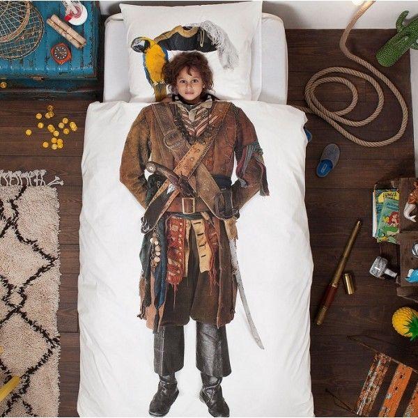 Set copripiumino Pirata di SNURK. Decorato in modo da sembrare un vero pirata.