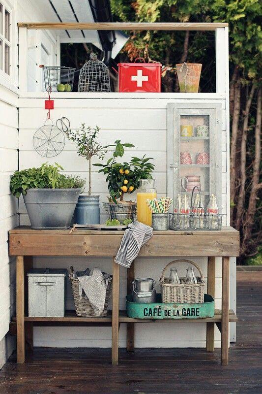Plantebord eller utekjøkken