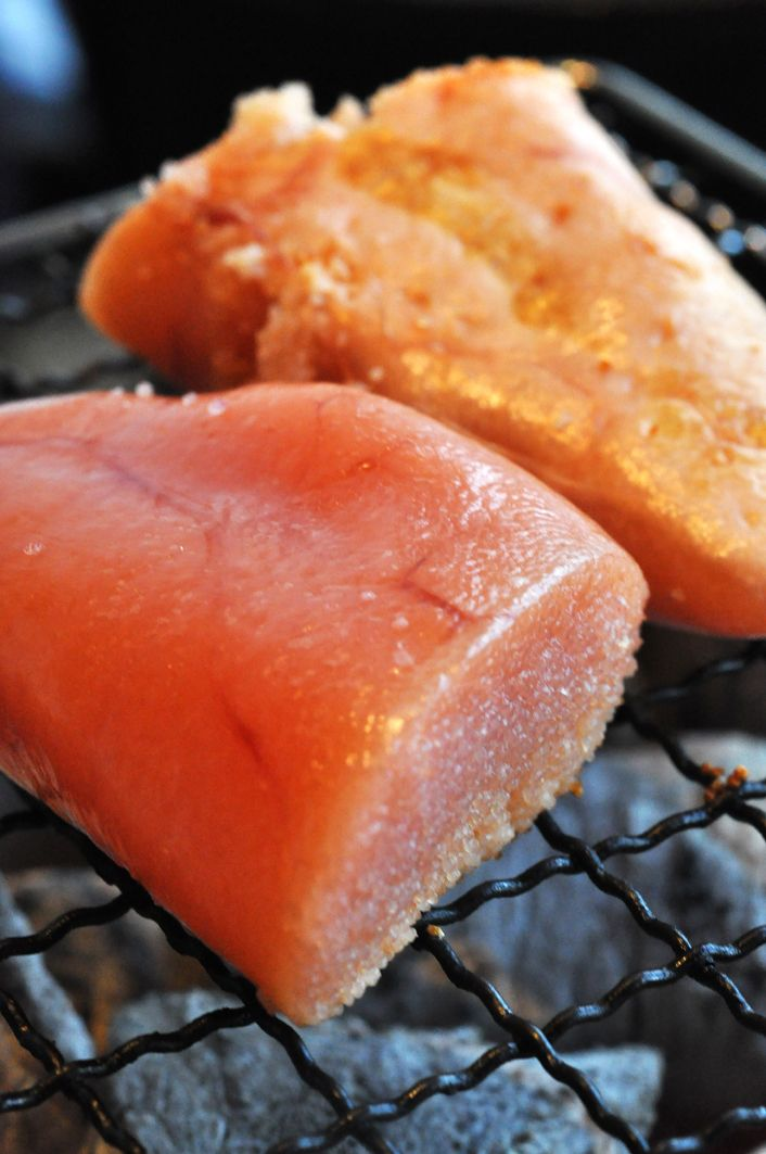 Yaki-Tarako is grilled Cod Roe and is served sparingly with rice. A little goes a long way! 焼きたらこ