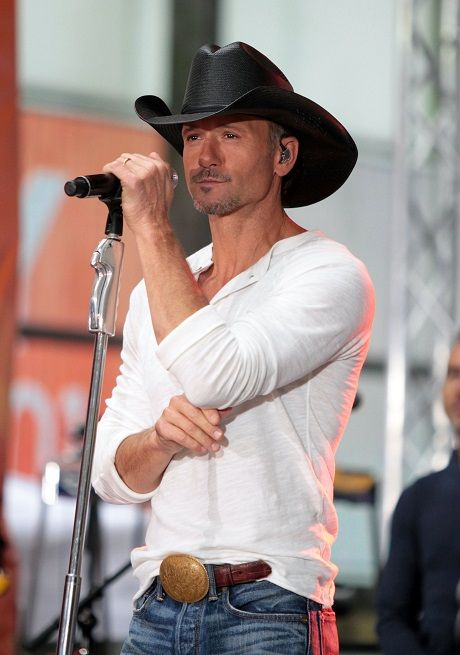 Tim McGraw and Faith Hill Divorce 2014: Begs Faith For Split From Loveless, Boring Marriage!