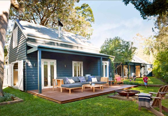 This beautiful house in Pearl Beach is actually two houses joined by a link pavilion. I think it is a lovely space for a family.