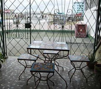 Dames Hotel Deals International - Hamel Hostel - Calle Hospital 308, Entre San Lazaro y Hamel, Havana, Cuba