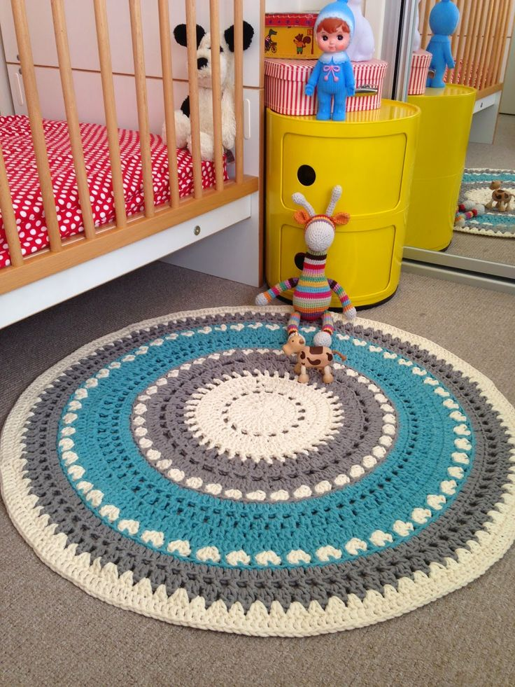 I Love Buttons By Emma: Crochet Floor Rug