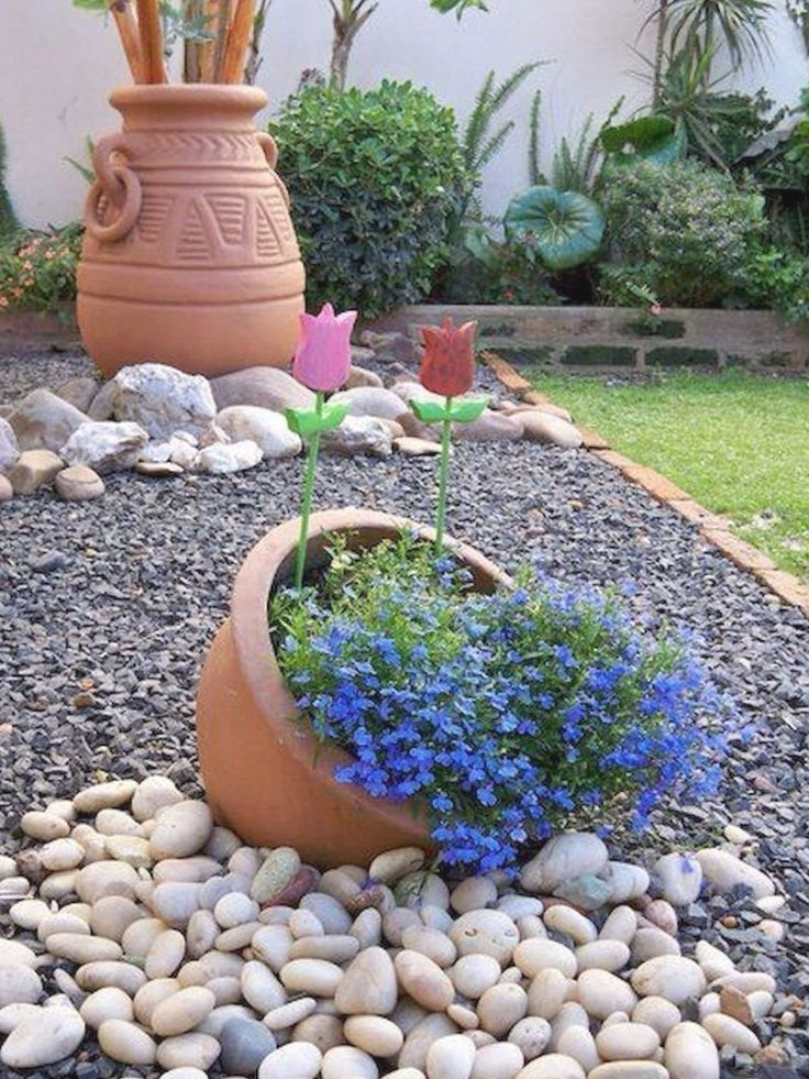 Pretty Small Rock Gardens Ideas in 2020 Rock garden