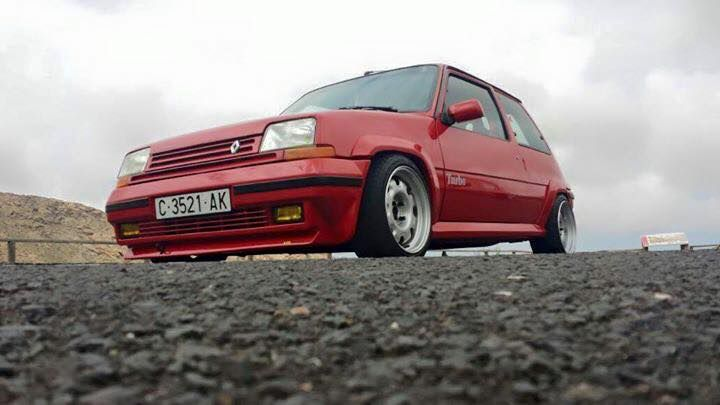 Renault 5 GT Turbo Red