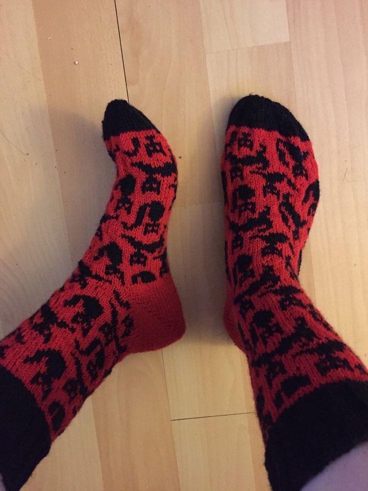 Wollen Sokken met katten // knitted Socks with cats door Dowinium op Etsy https://www.etsy.com/nl/listing/230484421/wollen-sokken-met-katten-knitted-socks