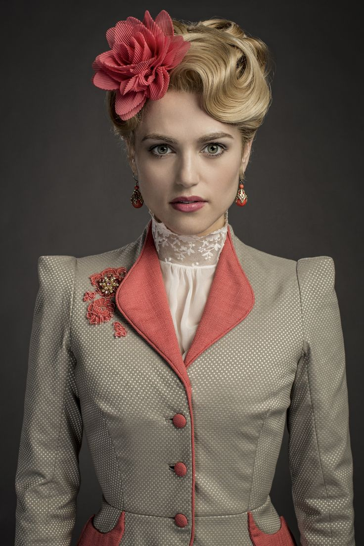 the charming character of lucy westenra in dracula a novel by bram stoker For those familiar with bram stoker's novel,  mina and lucy are sisters in the film and friends in the novel dracula in the novel begins as  lucy westenra.