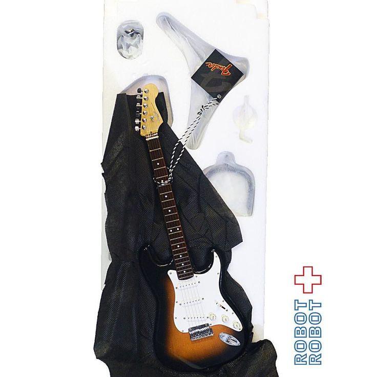 GMP ギターレプリカ / #フェンダー #ストラトキャスター サンバースト #FENDER #STRATOCASTER 1/3 Scale Guitar Replica #doll #ドール #お人形 #アメトイ #アメリカントイ #おもちゃ#おもちゃ買取 #フィギュア買取 #アメトイ買取#中野ブロードウェイ #ロボットロボット #ROBOTROBOT #中野 #WeBuyToys