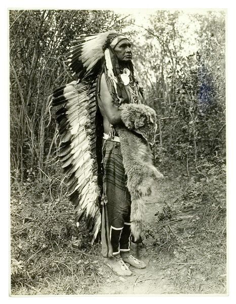 J. Dixon photograph of White Man Runs Him, a Crow who was the chief of Custer's Seventh Cavalry Indian Scouts during the Battle of Little Big Horn. After reporting to Custer the position of the enemy camp, White Man Runs Him and the other scouts were ordered to the rear of the Army lines, which saved their lives.