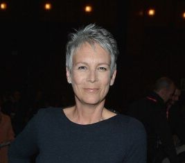 Jamie Lee Curtis Rips 'We Saw Your Boobs' Oscars Song
