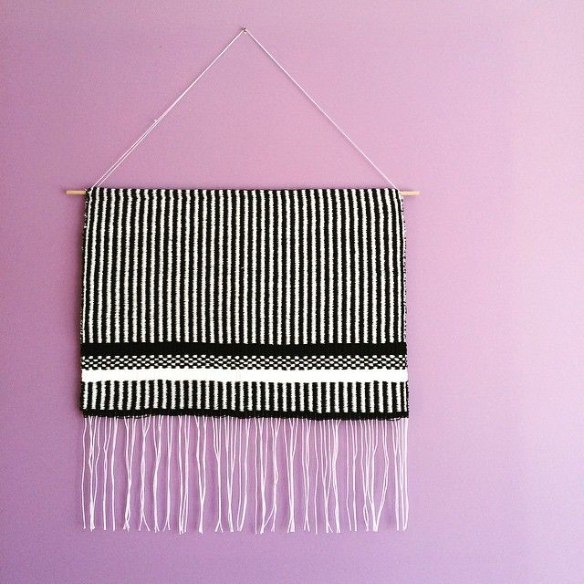 Fresh from the loom new black&white lines&dots weaving! 〰➰〰 #weaving #tapestry #tkanie #gobelin #blackandwhite #handmade #loom #craft