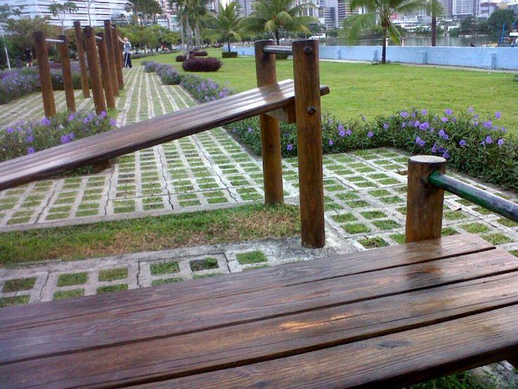 Mobiliriario exterior y jardines para la Cinta Costera en la Ciudad de Panamá
