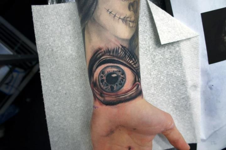 fuckyeahtattoos:    Third Tatto which was done a few day's ago adding to my sleeve By Gordon Patterson
