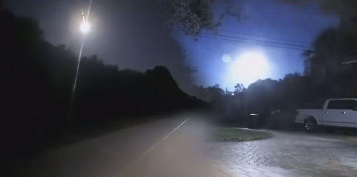 Φλόριντα: Φλεγόμενη σφαίρα εκρήγνυται στον ουρανό!!!