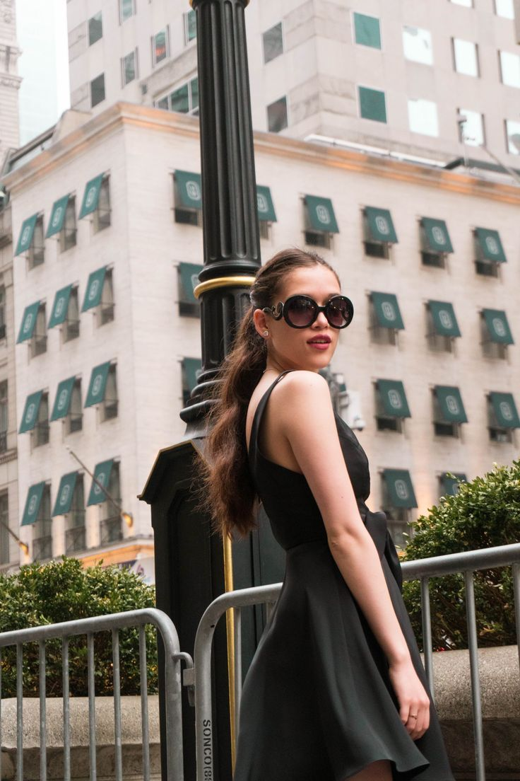 2343781104a NYC style and travel blogger Eva Phan of Eva Darling recreates the iconic  opening scene from
