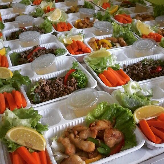 Belum telat untuk ngejar new year's resolution kamu untuk diet, mulai aja diet mayo catering ke @mbahgalang. Follow our Instagram, Twitter & Fb page @indohomemade for more Indonesian homemade food.