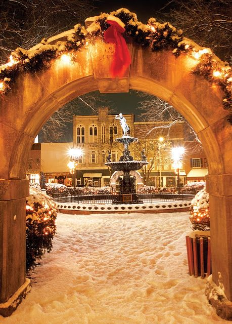 Holidays in Bowling Green- Downtown at Fountain Square Park