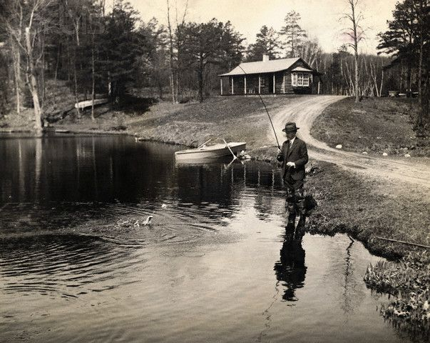 President calvin coolidge fishing at hideaway cabin site for Fishing cabins in wisconsin