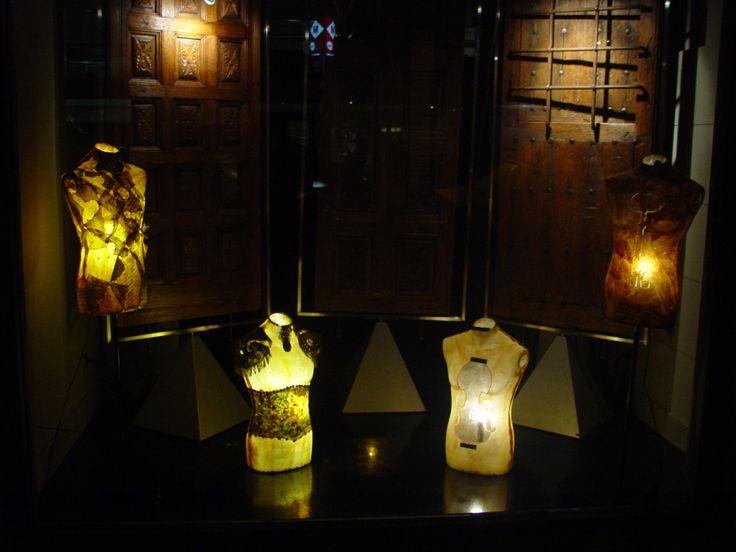 MANIQUIN LAMPS