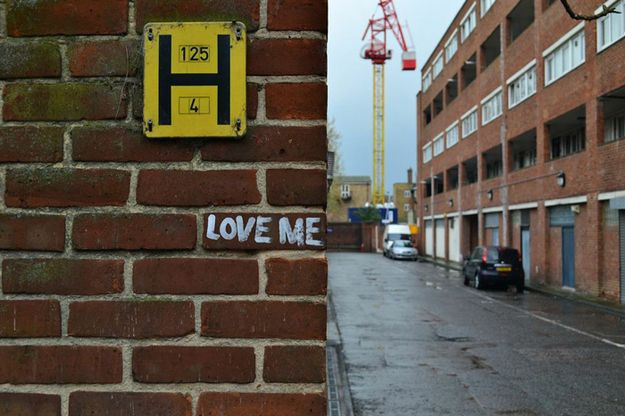 The polite request. | The 20 Happiest Moments In Graffiti History
