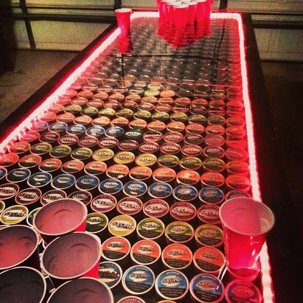 Cute table idea for a man cave. Gah I want to make this for Tyler!