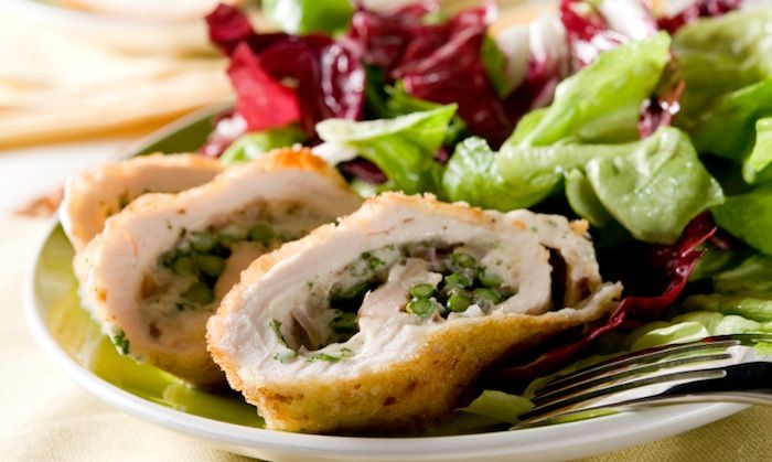 Broccoli Cheddar Stuffed Chicken - 233 Calories, 32g Protein, 6g Fat & 7g carbs!! Serve with fresh salad and mashed cauliflower...YUM!!