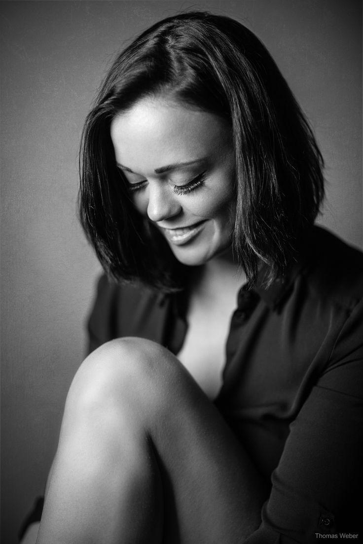 A beautiful portrait from a friend of mine :)    Follow me on Instagram: https://www.instagram.com/phothomas.de/  #female #model #germangirl #canon #canoneos5dmark3 #sensual #blackandwhite #monochrome #portrait #fineart #bnw #photo #pic #picture #moment #monoart #phothomas #photographer #oldenburg #rastede #bremen #fotograf #thomasweber #germany #photooftheday #picoftheday #amazing
