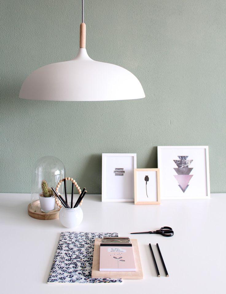 Moderne mat witte hanglamp hout stuk