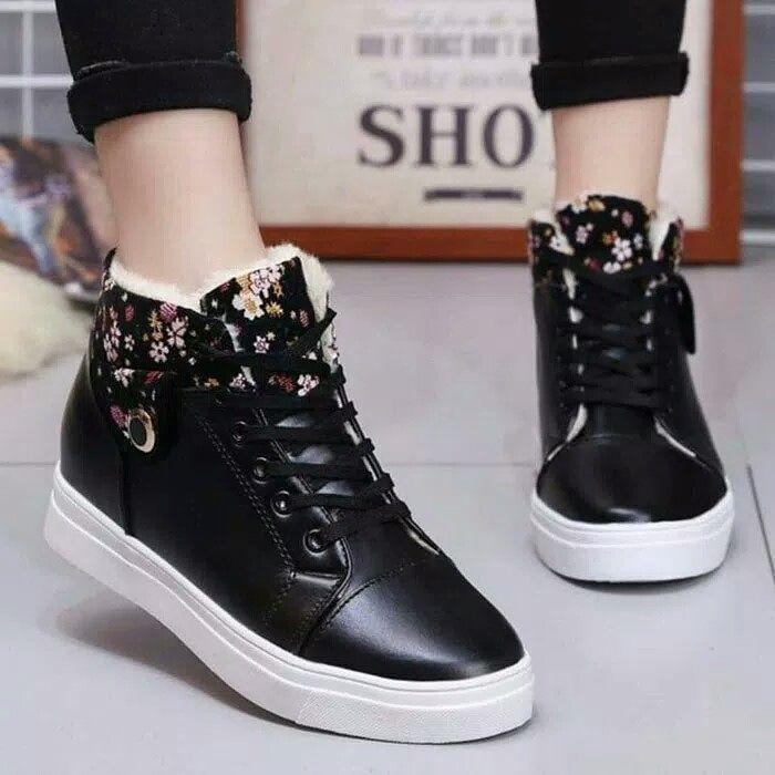 Sepatu Sneakers Wanita Boot Flower Kets Rdtb 047780 Hitam Motif