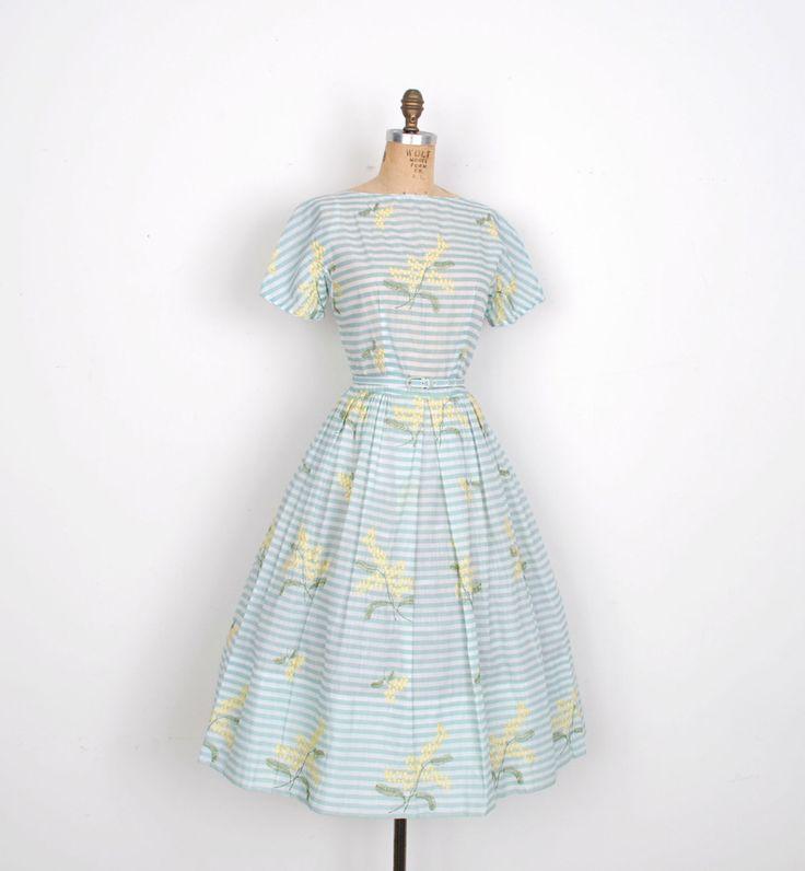 Vintage jaren 1950 jurk / 50s gestreepte jurk met bloemen borduurwerk / Seafoam…