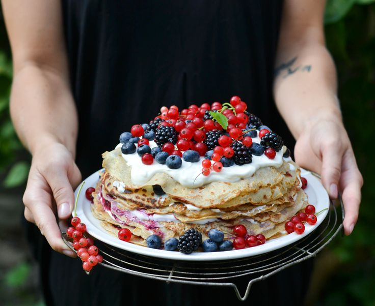 The perfect way to use up those last summer berries: pancake cake!
