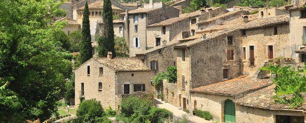 Saint Guilhem le Désert et ses charmantes ruelles, considéré comme l'un des plus beaux villages de France par l'UNESCO.