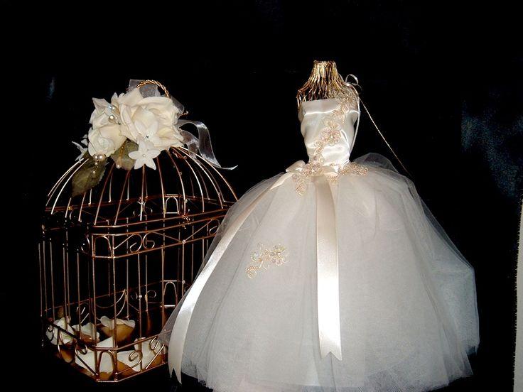 the 206 best images about miniature bridal shop on pinterest dollhouse miniatures brides and. Black Bedroom Furniture Sets. Home Design Ideas