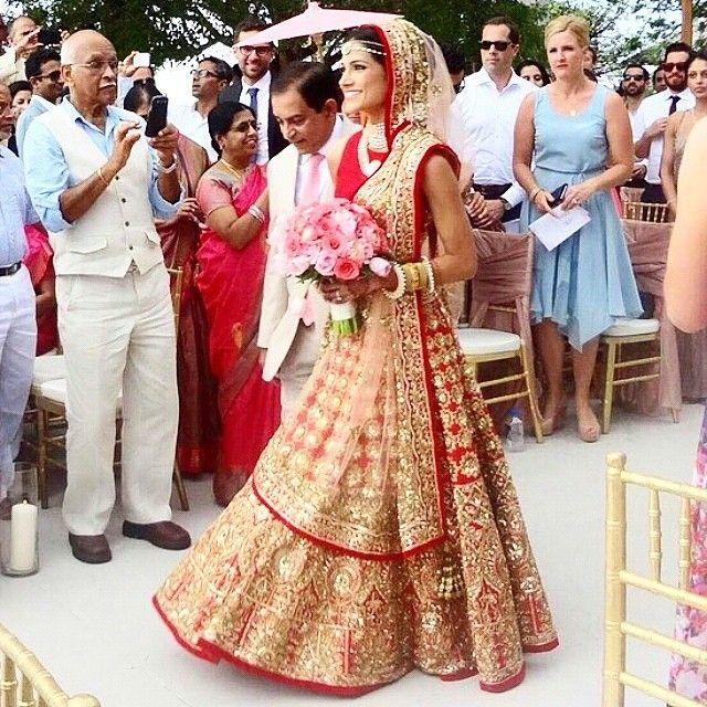 viyahshaadinikkah: via @melaniekann Melanie Kannokada, US-Indian The US-Indian actress and former Miss India America in the show stopper (worn by Alia Bhatt on the runway) Manish Malhotra lehenga for her wedding.