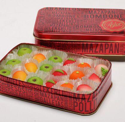 """Nuestro recomendado especial para disfrutar este domingo en familia """"MAZAPANES"""" de la #reposteriaastor  www.elastor.com.co"""