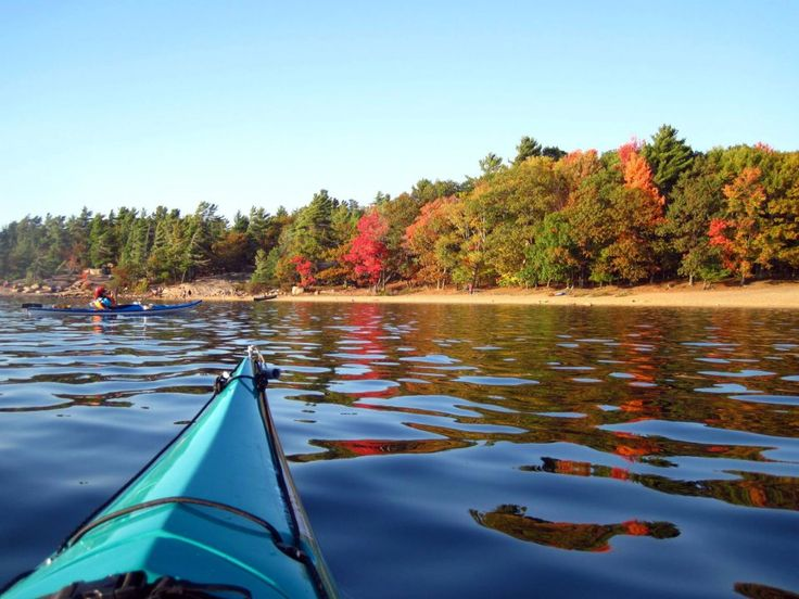 There are thousands of great spots to view fall colour in Ontario's cottage…