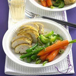Recept - Gestoomde groenten en kipfilet met kerriedressing - Allerhande