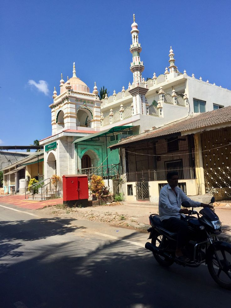 Beautiful mosque in the city of Daman.