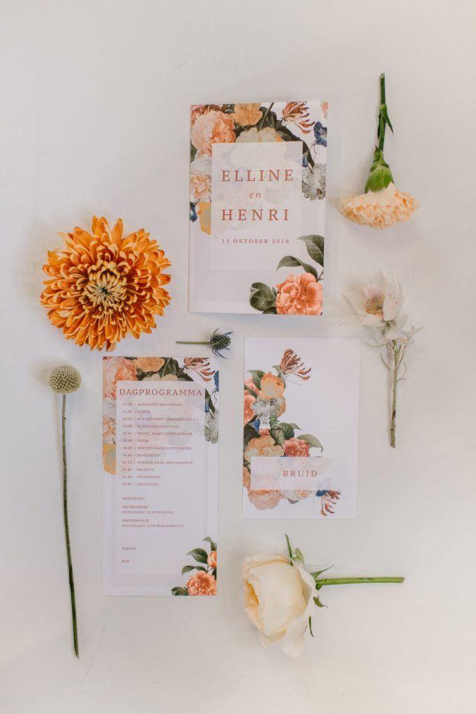 Trouwkaart, naambordjes, dagprogramma en bedankjes voor een prachtige herfst bru…