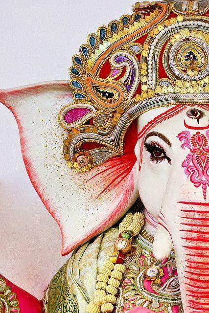 SUBSTÂNCIA E APARÊNCIA: Sri Ganesha - Homem com cabeça de elefante - Deus removedor de obstáculos - Cultura hindu - Clique e veja mais imagens e leia sobre seu significado #hinduismo #ganesha #imagens #significado #elefante #deus #ganesh #sriganesh