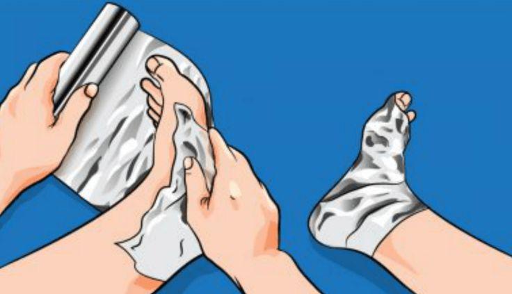 Beetje vreemd maar wel lekker: je voeten verbinden met aluminiumfolie Aluminiumfolie, het gemiddelde Nederlandse huishouden is...