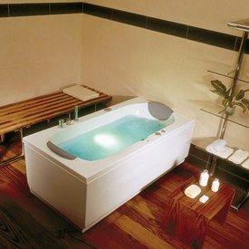Indbygnings badekar http://www.spacenteret.dk/product/victory-bonaire-180-badekar-103/ Victory Bonaire 180 -badekar.
