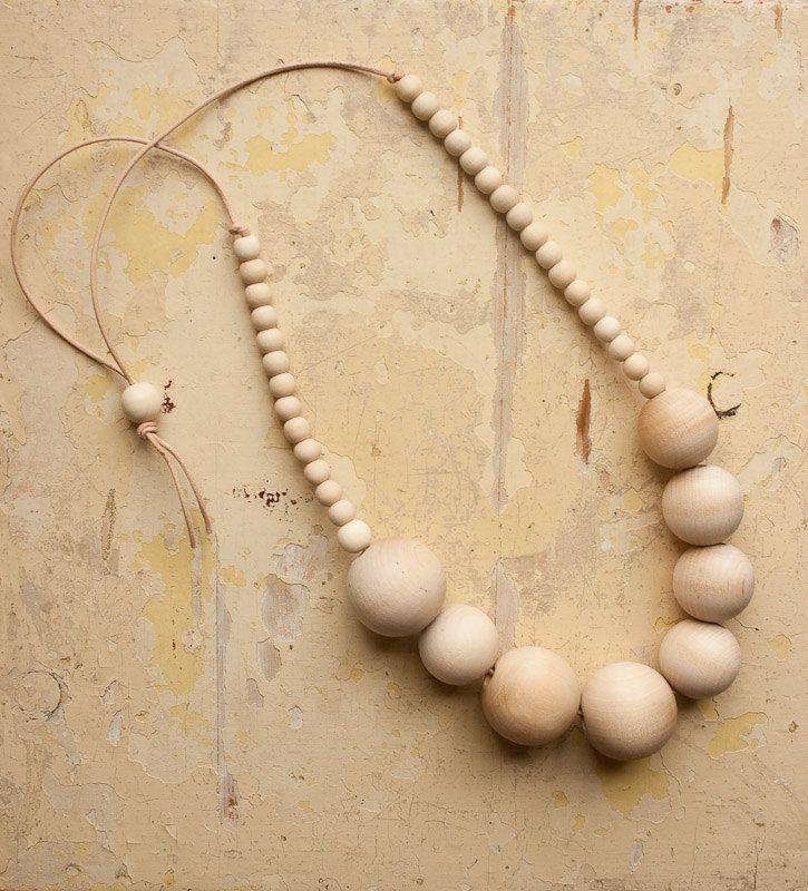 light timber :: berlin necklace   levoyagecreatif