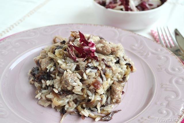 Risotto radicchio e salsiccia, scopri la ricetta: http://www.misya.info/ricetta/risotto-radicchio-e-salsiccia.htm